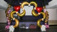 Свадебная арка из шаров и фонтаны