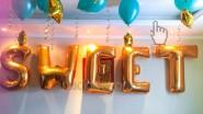 Надпись из фольгированных шаров- букв