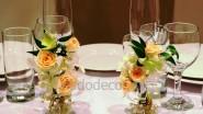 Оформление бокалов молодоженов цветами