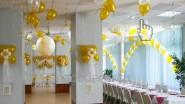 Свадебное украшение шарами столовой