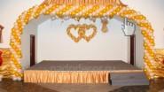 Оформление сцены шарами на свадьбу