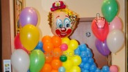 Клоун из шаров, высота-2м: 2390 руб-.