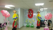 Украшение офисного центра шарами к 8 марта