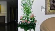 Напольная композиция из цветов в вазе: 8250 руб.