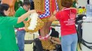 Так делается костюм из воздушных шаров