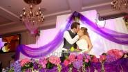 Роскошное украшение свадьбы тканью и цветами