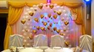Украшение свадьбы тканью, шарами и светом