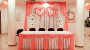 Свадебный фон со столом и арка из шаров - 12290 руб.