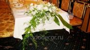 Флористическая композиция на свадебный банкет
