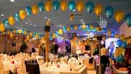 Украшение ресторана шарами и светом