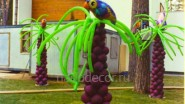 Украшение дачного участка: пальмы из шаров