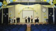 Украшение шариками зала школы