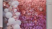 Фотозона с пайетками и шариками на школьный выпускной