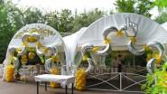 Необычное украшения шатра к юбилею