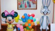 Заяц, Минни Маус и цветочная ваза из шаров