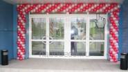 Оформление входной двери магазина