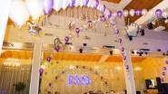 Новогоднее оформление ресторана шарами