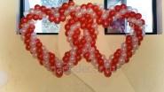 Два сердца из шаров: 2490руб. Ширина -2 м.